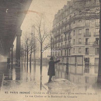 A. Noyer 82 - Paris inondé Rue Clodion et Bd de Grenelle