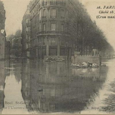 A. Noyer 16 - PARIS INONDÉ - La Seine au Boul St-Germain et Rue de l'Université
