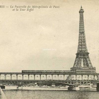 Abeille 141 - PARIS - La Passerelle du Métropolitain de Passy et la Tour Eiffel