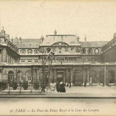Abeille 38 - PARIS - La Place du Palais Royal et la Cour des Comptes