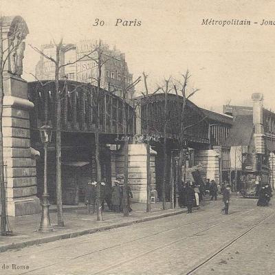 AC 30 - Metropolitain, Jonction Barbès