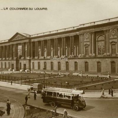 AN 102 - PARIS - La Colonnade du Louvre