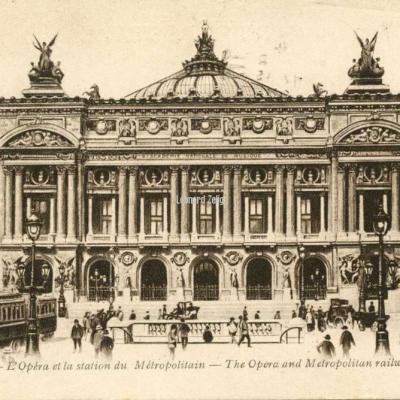 AP 170 - PARIS - L'Opéra et la station du Métropolitain.