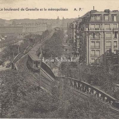 AP 584 - Le boulevard de Grenelle et le métropolitain