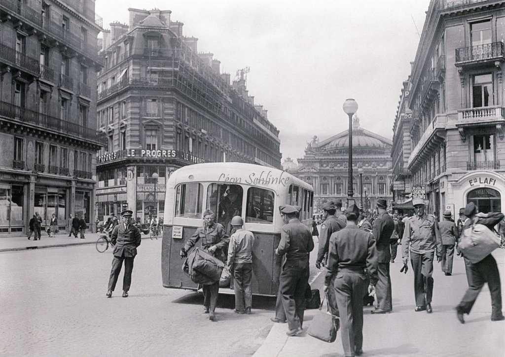 Autobus Renault TN4H affecté aux Troupes Alliées en 1945