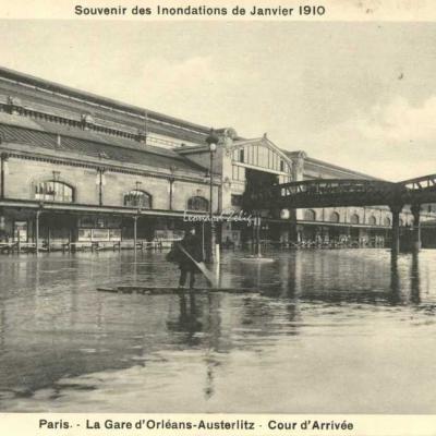 Breger A. - Inondations 1910 - Cour d'Arrivée de la Gare d'Orléans-Austerlitz