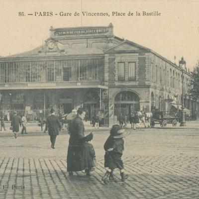 BXF 86 - PARIS - Gare de Vincennes, Place de la Bastille