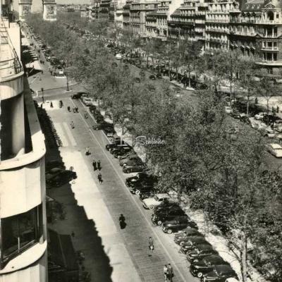 CAP 1242 - PARIS - Les Champs-Elysées