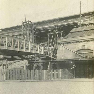Carte-photo - Construction entrée du Viaduc en Gare d'Austerlitz