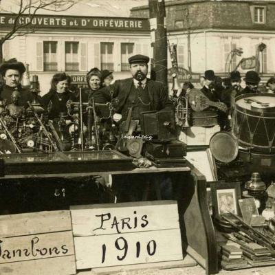 Carte-photo - Foire à la Ferraille 1910 à la station Richard-Lenoir