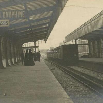 Carte-photo - Quai de la gare de La Chapelle