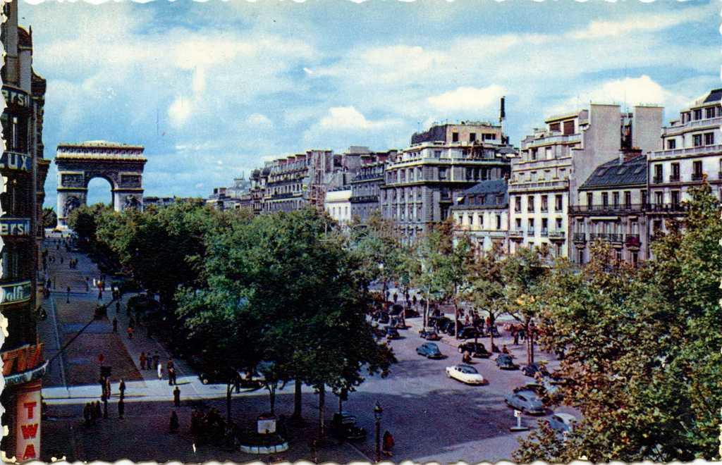 Chantal 3 - Avenue des Champs-Elysées