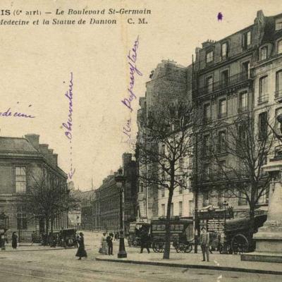 CM 1221 - PARIS - Le Boulevard St-Germain, l'Ecole de Médecine et la Statue de Danton