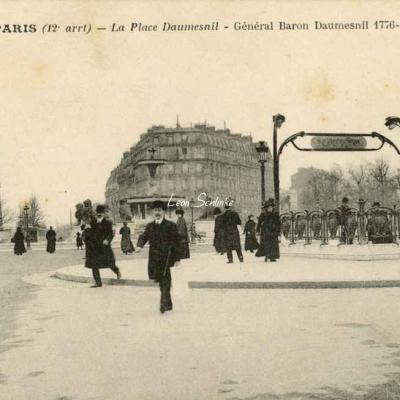 CM 1530 - La Place Daumesnil (Général Baron Daumesnil 1776-1832)