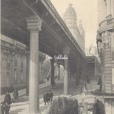 CM 243 - Le Métropolitain et la rue Alboni