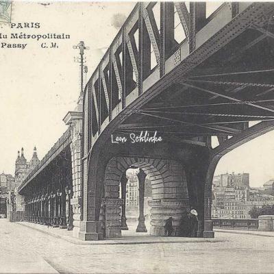 CM 456 - La Passerelle du Métro à Passy