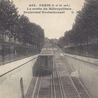 CM 462 - La Sortie du Métropolitain Boulevard Rochechouart