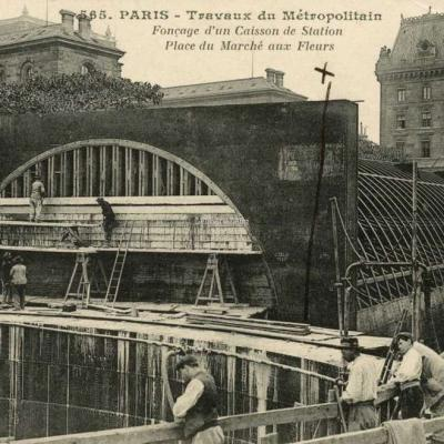 CM 565 - PARIS - Fonçage d'un Caisson de Station Place du Marché aux Fleurs