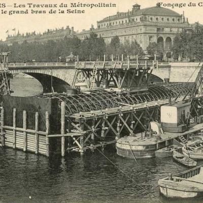 CM 634 - Fonçage du caisson central du grand bras de la Seine