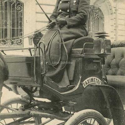 CM 938 - Mme Charnier sur son siège