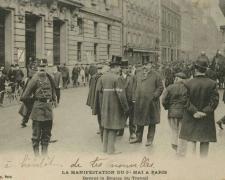 ELD - PARIS - Manifestation du 1er Mai - Devant la Bourse du Travail