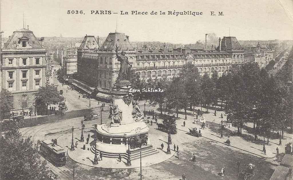 EM 5036 - La Place de la République