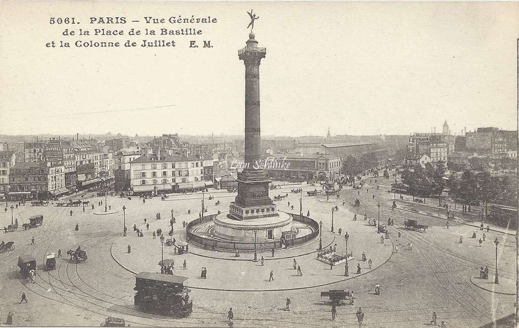 EM 5061 - Vue générale de la Place de la Bastille