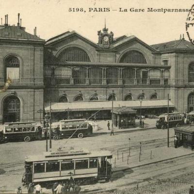 EM 5198 - PARIS - La Gare Montparnasse