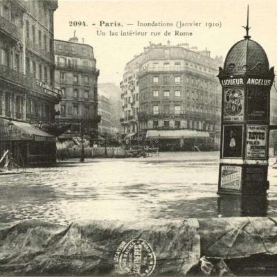 ES 2094 - Paris - Inondations (Janvier 1910) Un lac intérieur rue de Rome