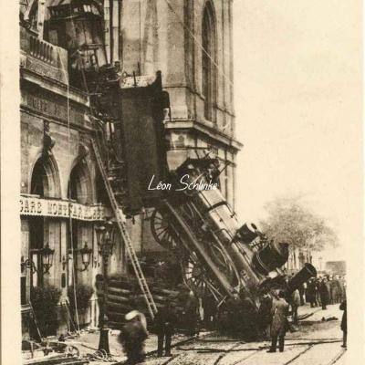 ES 2124 - Accident à la Gare Montparnasse le 22 Octobre 1895