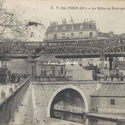 EV 294 - Le Métro au Rond-point de la Villette