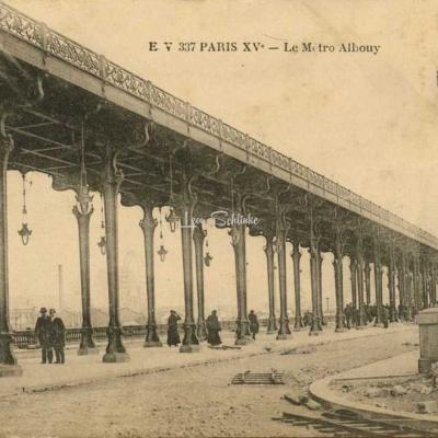 EV 337 PARIS XV° - Le Métro Albouy