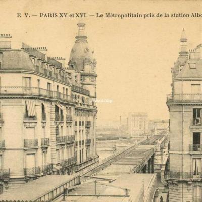 EV - PARIS XV et XVI - Le Métropolitain pris de la station Albony