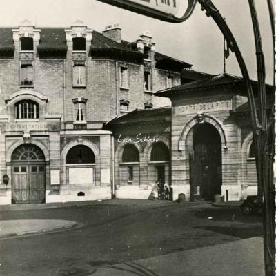 F. Fiando  53 - Hôpital de la Pitié - L'Entrée