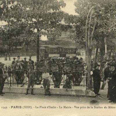 FF 1349 - PARIS - La Place d'Italie - La Mairie - Vue prise de la Station du Métro