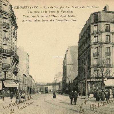 FF 1526 - PARIS (XV°) - Rue de Vaugirard et Station du Nord-Sud