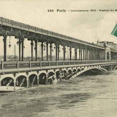 FF 238 - Inondations 1910 - Viaduc du Métro à Passy