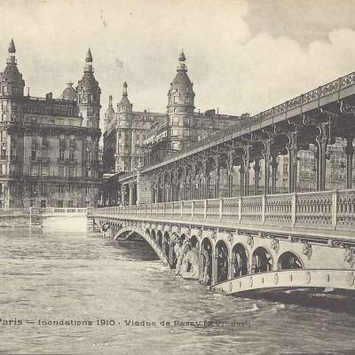 FF 243 - Inondations 1910 - Viaduc de Passy