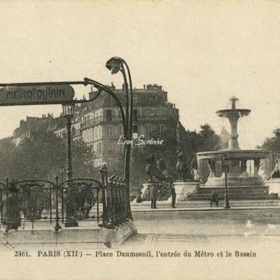 FF 2461 - Place Daumesnil, entrée du Métro et Bassin