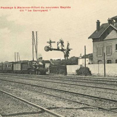 FF 25 L - Passage à Maisons-Alfort du nouveau Rapide dit 'Le Savoyard'