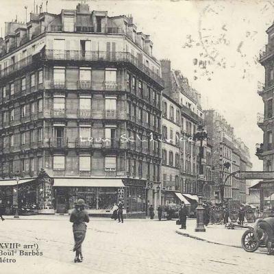 FF 348 bis - Rue Poulet, angle Bd Barbès Station du Métro