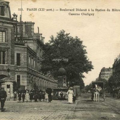 FF 355 - PARIS - Boulevard Diderot à la Station du Métro de Reuilly - Caserne Chaligny