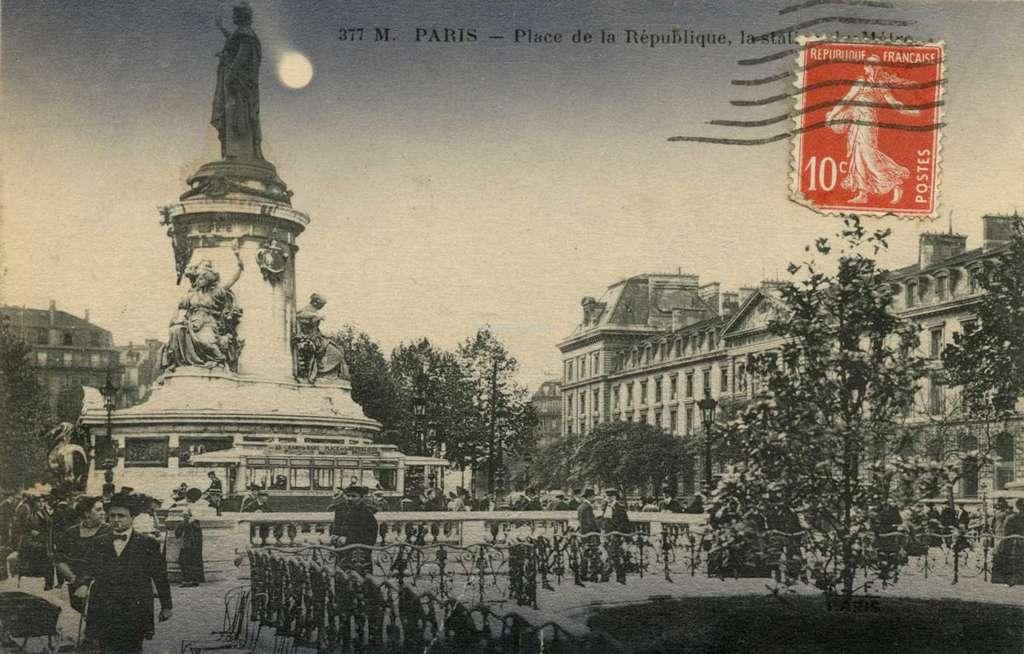 FF 377M - PARIS - Place de la République, la station de Métro