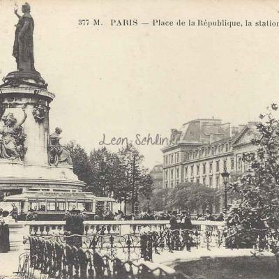 FF 377M - Place de la République, la station du métro