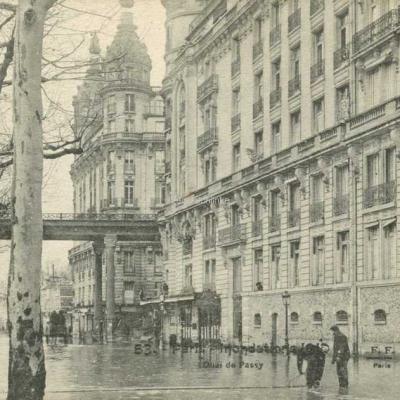 FF 53 - Inondations de 1910 - Quai de Passy