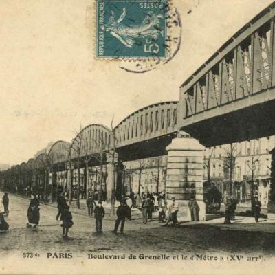 FF 573 bis - PARIS - Boulevard de Grenelle et le Métro (XV° arrt)