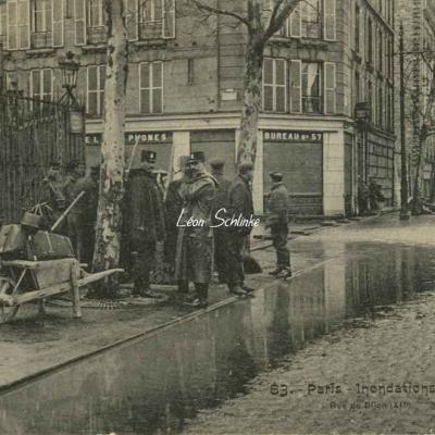 FF 83 - Inondations 1910 - Rue de Dijon