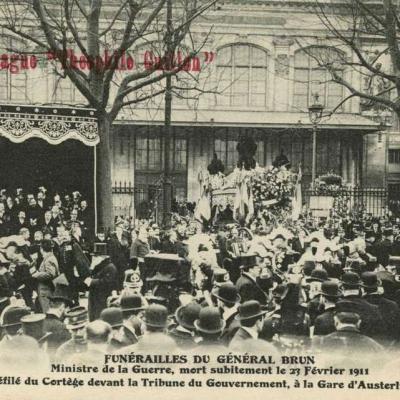 FF - Funérailles du Général Brun - Tribune du Président à la Gare d'Austerlitz