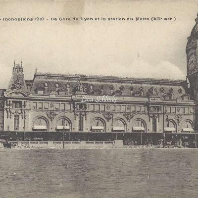 FF - Inondations 1910 - La Gare de Lyon et la Station de Metro