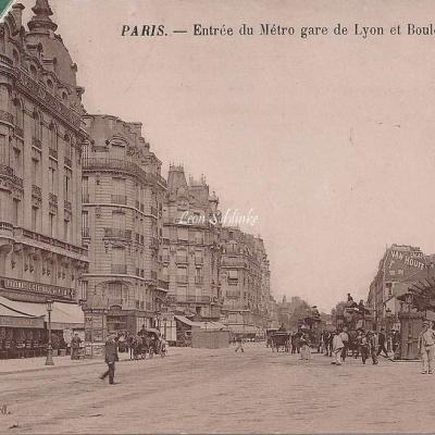 Gaspard - Entrée du Métro gare de Lyon et Boulevard Diderot